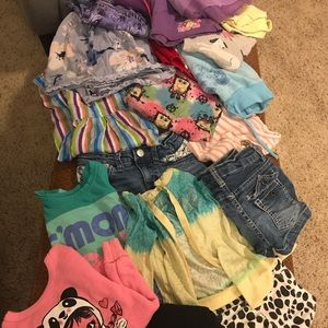 Lot of toddler girls clothes size 4-5 33 pieces